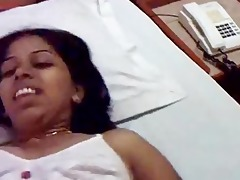 southindian kerala aunty show her fully and