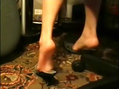 arab woman shoe play