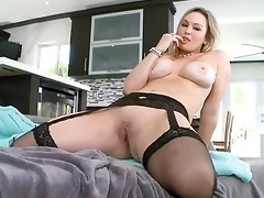 loud and lusty oriental d like to fuck
