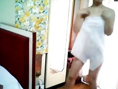 non-professional chinese cam girl dancing -