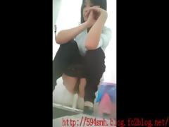 chinese public crapper voyeur8-31-2