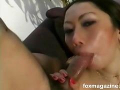 asian vixen shows her hidden orall-service talent