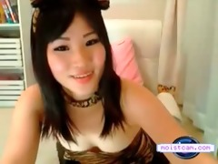 [moistcam.com] cute oriental hotty fingers her
