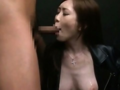 nympho oriental tramp engulfing jocks gets