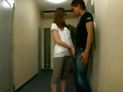 oriental hotty giving oral on the corridor