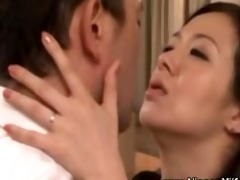 aged oriental mother i giving a kiss with voyeur