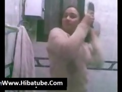 egyptian hawt chicks show her body in bath 9 (new)